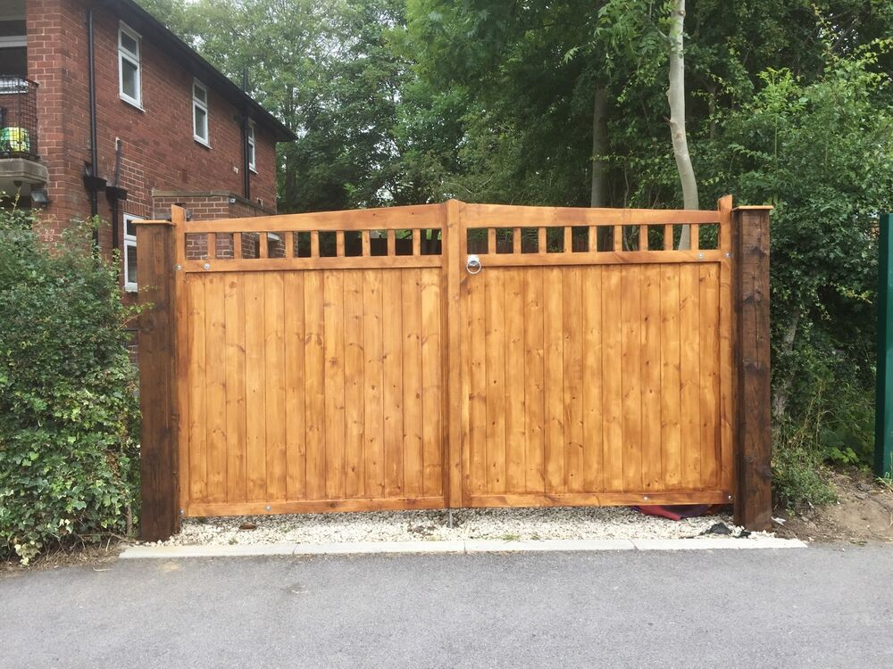 Double driveway wooden gates cottage style timber garden for Double wooden driveway gates