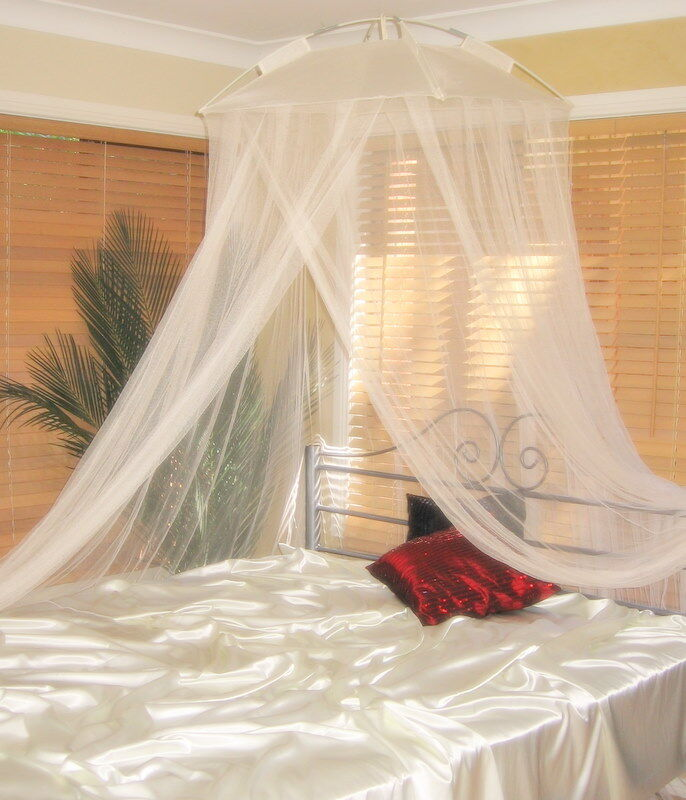 Classic resort style cream mosquito net bed canopy one for Bed with mosquito net decoration