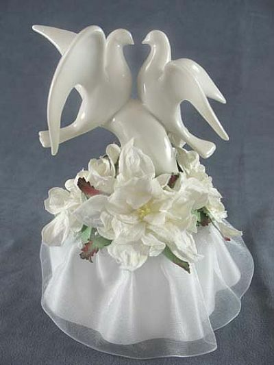 dove wedding cake toppers white glazed porcelain doves wedding cake topper with 13713