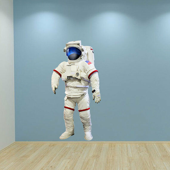 astronaut taller after space - photo #39