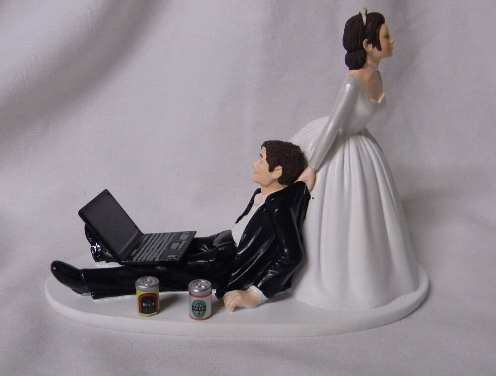 dark hair wedding cake toppers wedding reception can laptop computer cake 13343