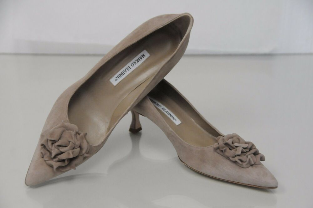 ae25c5b99b9 NEW MANOLO BLAHNIK Lisa Flower Beige Suede SHOES Pumps Kitten Heels 41.5