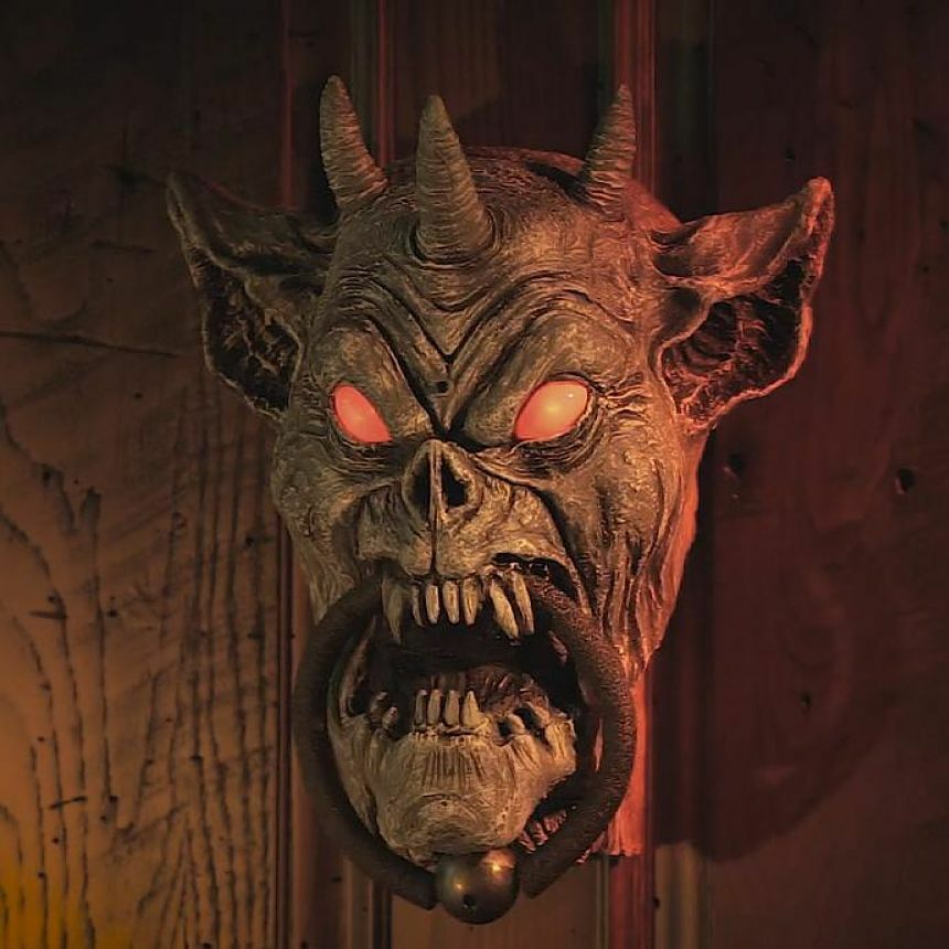 Gargoyle door knocker halloween decorations animated for Animated halloween decoration