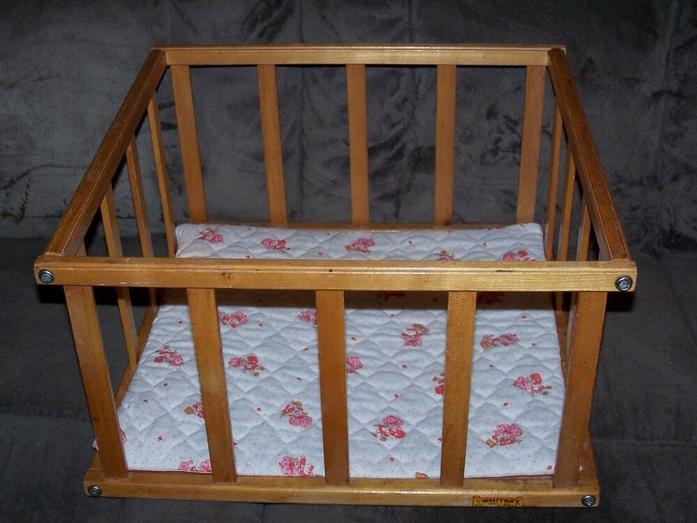 Attic find vintage 1950s whitney bros baby doll wood for Wooden attic box bed