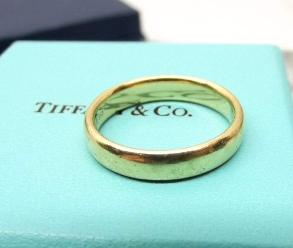 Auth tiffany co 18k yellow gold mens wedding ring for Tiffany mens wedding ring