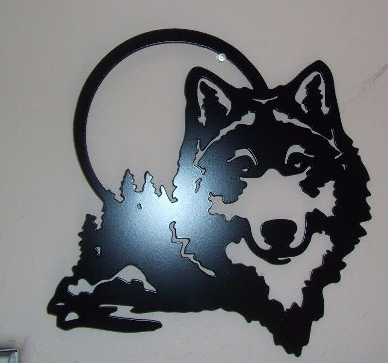 plasma cut black painted wolf and the moon metal wall. Black Bedroom Furniture Sets. Home Design Ideas