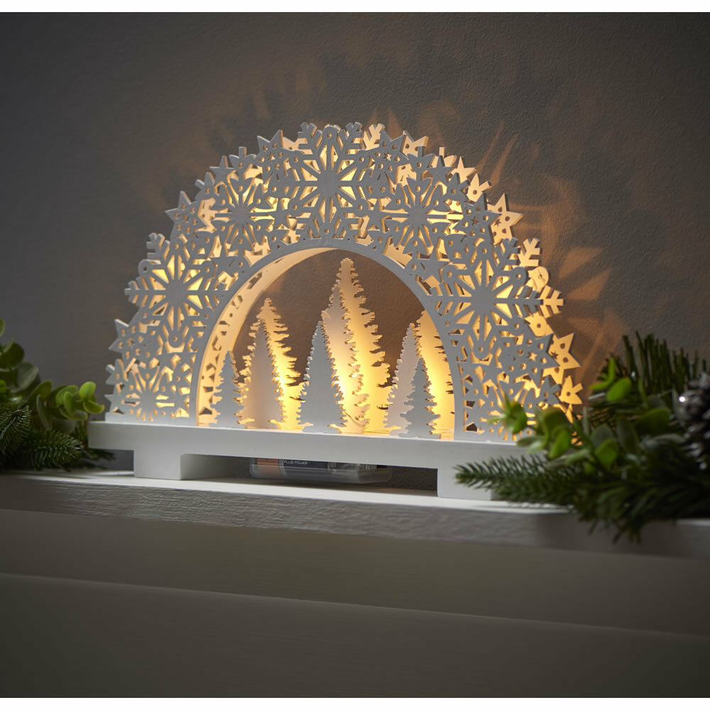 Christmas decoration white wooden light up christmas scene for Decoration lit
