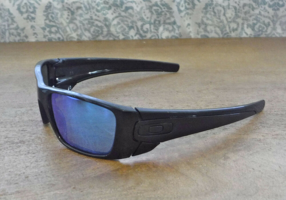 93b982515b3 Details about NWOT Oakley Fuel Cell Sunglasses Pol Black   Custom Polarized  Blue w Blk