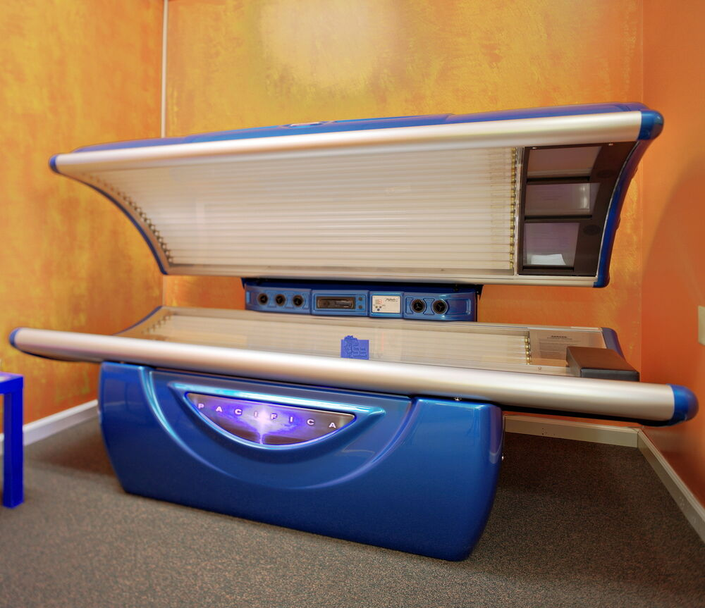 & Tan America Pacifica Commercial Tanning Bed | eBay