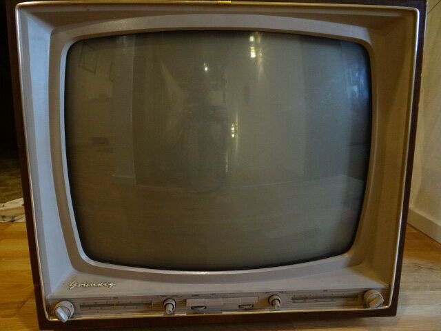 grundig zauberspiegel ft 200 r hrenfernseher fernseher 1950er alt schellack deko ebay. Black Bedroom Furniture Sets. Home Design Ideas