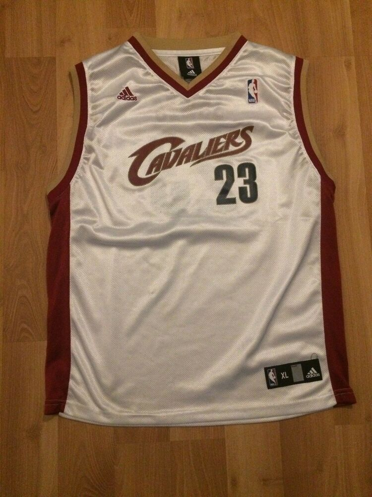 20d585cba KIDS CLEVELAND CAVALIERS LEBRON JAMES BASKETBALL JERSEY YOUTH XL WHITE RED  GOLD