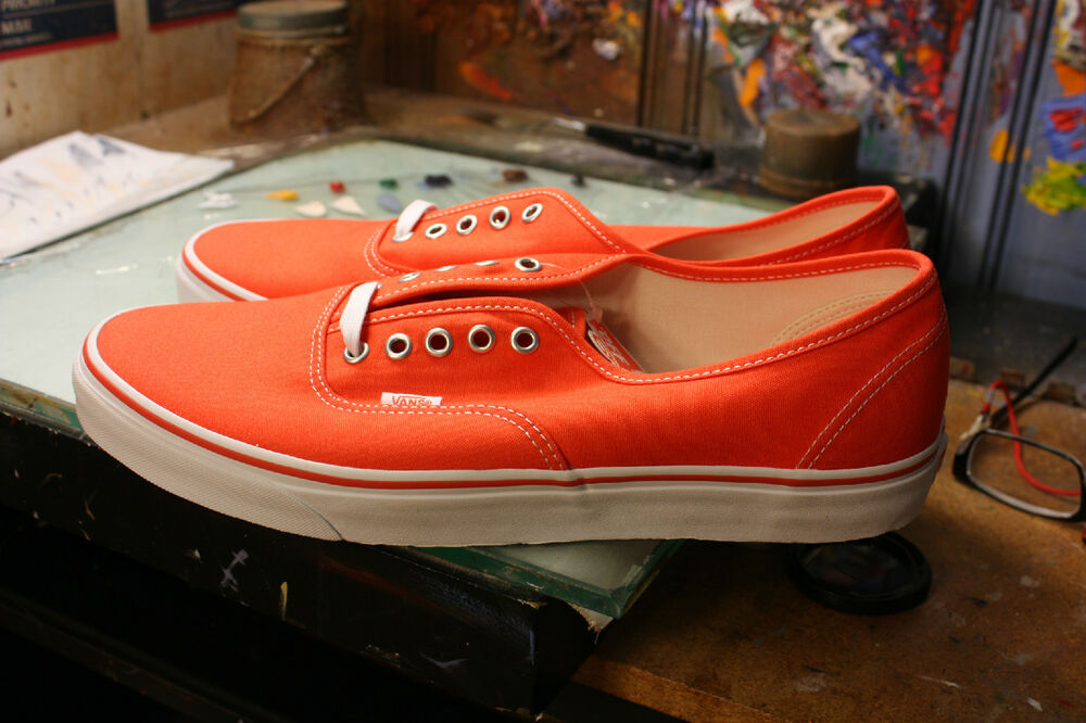a47292c15742 Details about Vans Authentic (Canvas) Cherry Tomato New In Box VN0A38EMMOO  Size US13 Men s