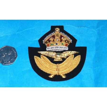 img-ROYAL AIR FORCE WW11 STYLE KINGS CROWN FULL SIZE FLYING OFFICERS CAP BADGE.