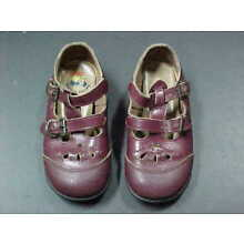 VINTAGE PAIR OF CHILDREN'S BUSTER BROWN SHOES