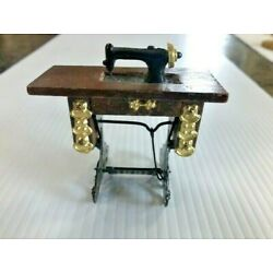 Kyпить Vintage Doll House Miniature Treadle Sewing Machine 1:12  на еВаy.соm