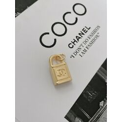 CHANEL CC Gold Plated Lock metal zipper pull, Double-sided, 20mm