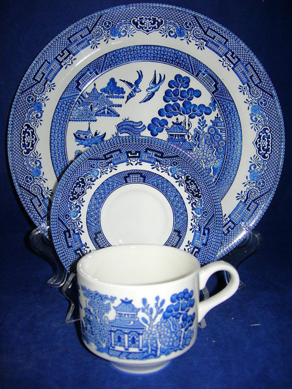Churchill Blue Willow Place Setting S Dinner Plate Cup