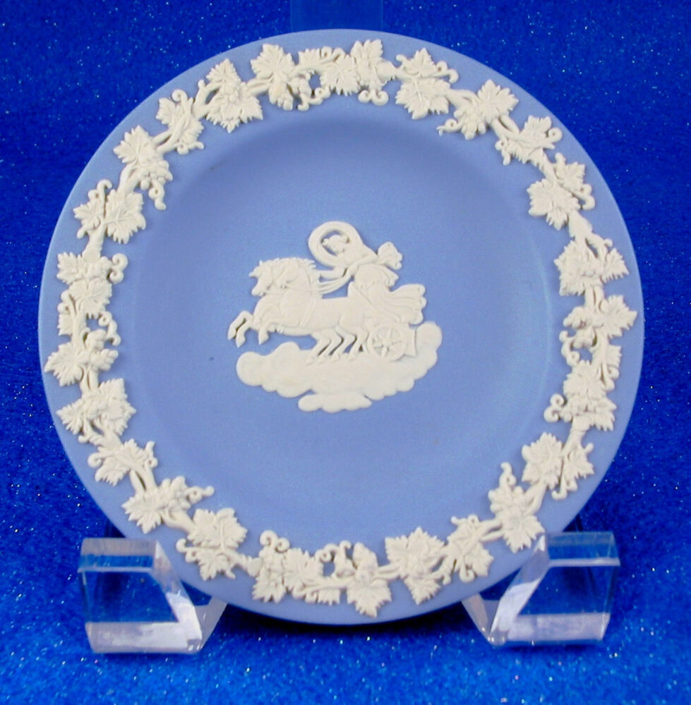 wedgwood jasperware made in england 4 5 blue white pin dish estate ebay. Black Bedroom Furniture Sets. Home Design Ideas
