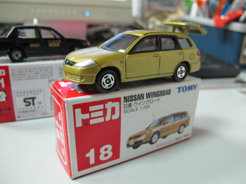 18 nissan wingroad ad van wagon 1 59 toy car tomica ebay. Black Bedroom Furniture Sets. Home Design Ideas