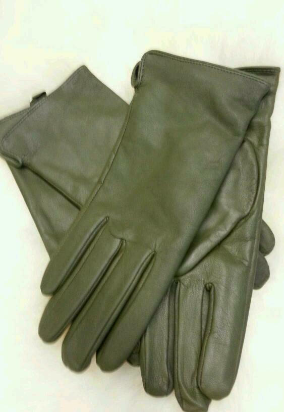 Women's long leather gloves can protect your hands and arms as you glide across the pavement heading to your favorite rally. The next time that you hit the road, make sure to bring along your new pair of women's leather gloves that you can have shipped directly to you with convenient shipping options.