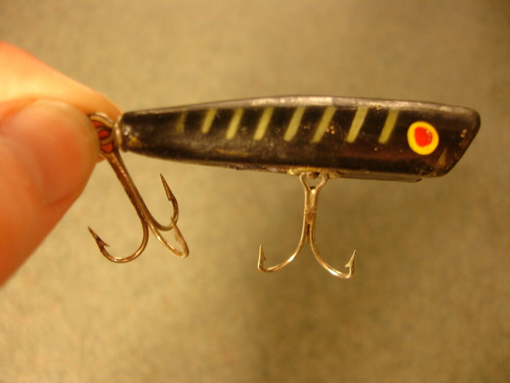 Old vtg antique collectible painted fishing lure ebay for Fishing lure collection