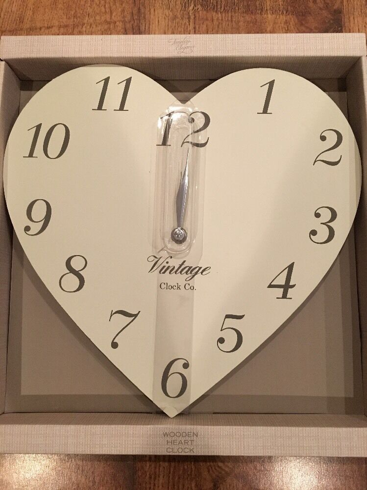New Vintage Chic Wooden Heart Shaped Wall Clock Cream Bnib Ebay