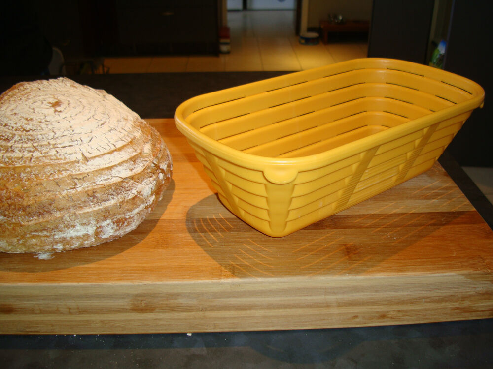 how to clean a banneton basket