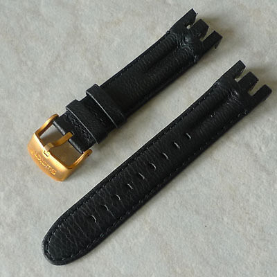 how to change strap on snk793 with leather band