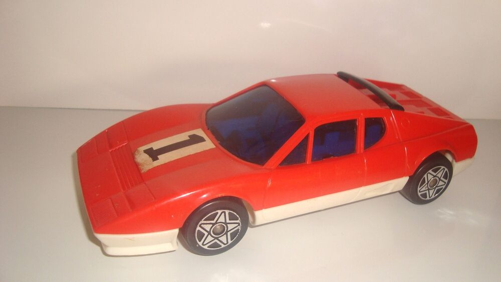 ancien vehicule voiture rouge joustra voiture en plastique non roulante 21x9cm ebay. Black Bedroom Furniture Sets. Home Design Ideas