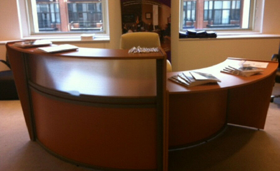 Round Reception Desk Station With Windows And Lower Side