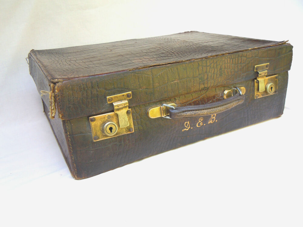 c 1920 vintage crocodile leather suitcase trunk antique vanity case ebay. Black Bedroom Furniture Sets. Home Design Ideas