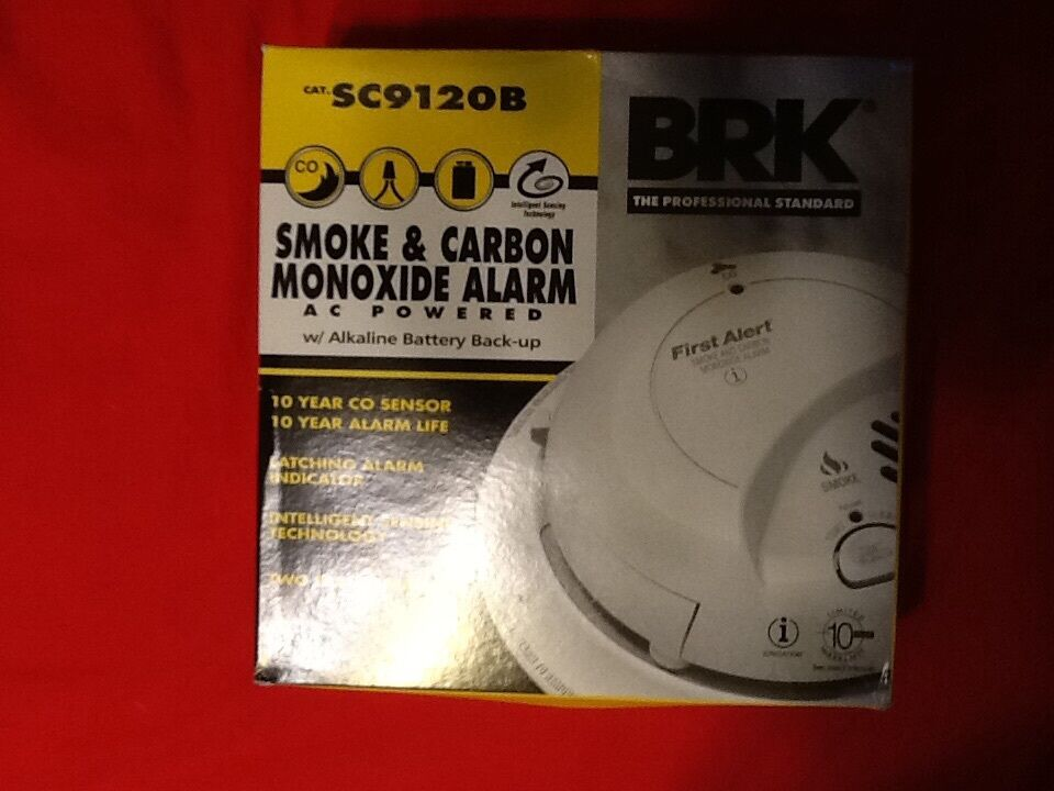 FIRST ALERT BRK S9120B SMOKE CARBON M0NOXIDE ALARM WITH BATTERY