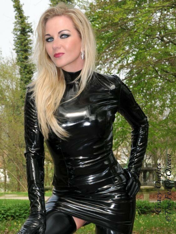 Red latex skirt ballet boots blows - 2 3