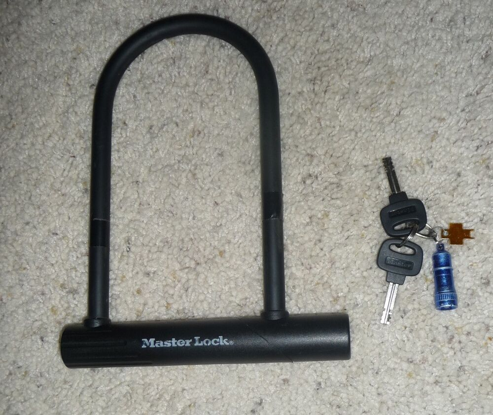 master lock 8184dsg bike u lock with bracket 8 1 4 inch keys ebay. Black Bedroom Furniture Sets. Home Design Ideas