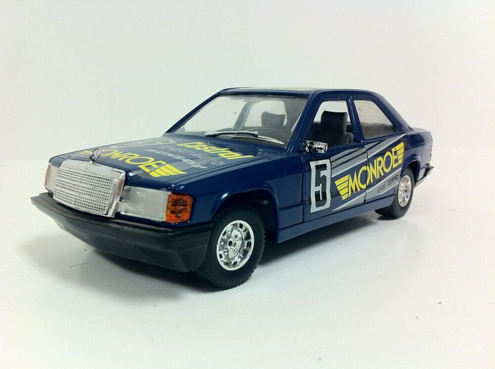 Burago mercedes benz 190e 190 diecast car 1 25 scale ebay for Diecast mercedes benz