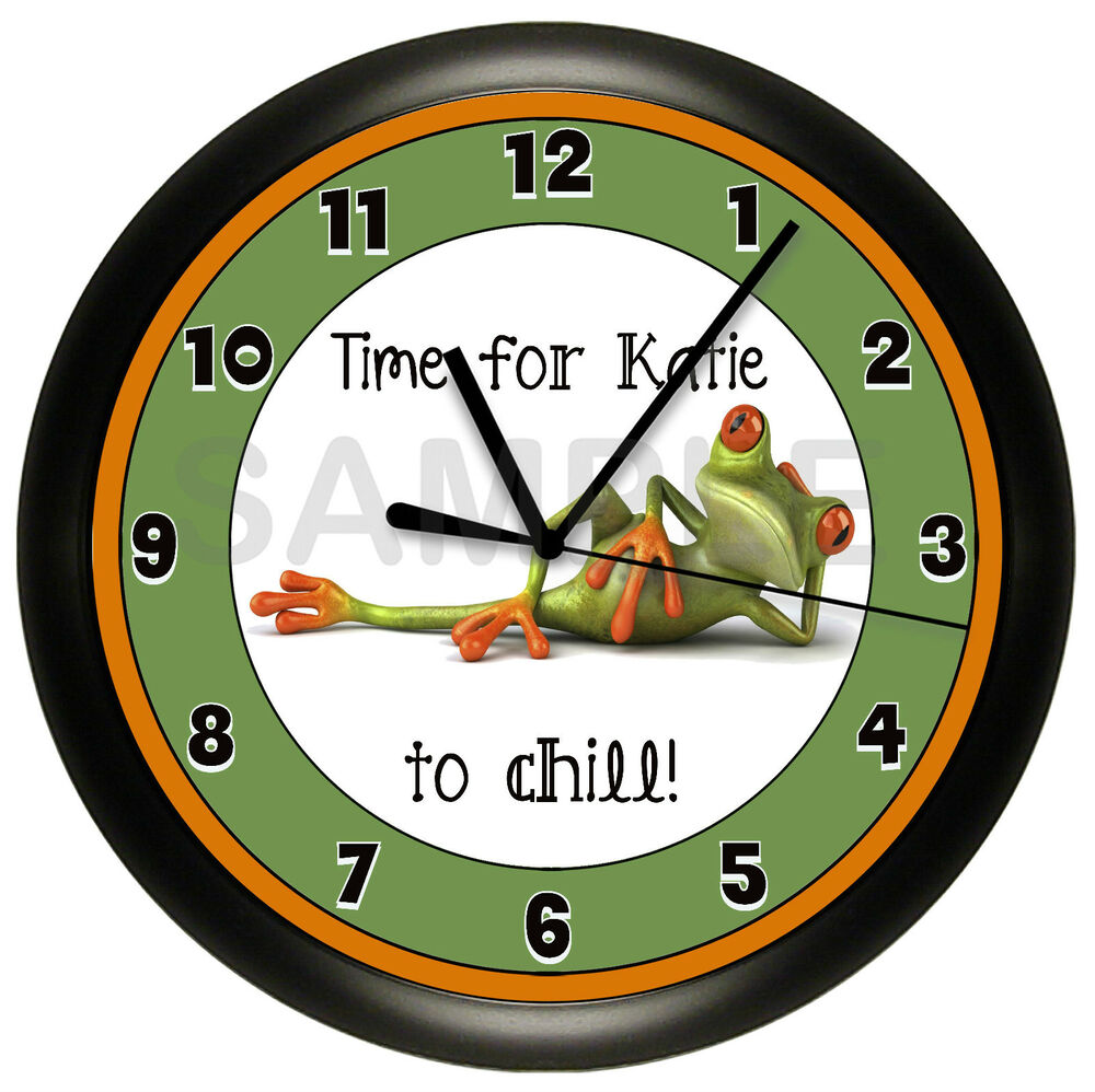 FUNNY FROG WALL CLOCK PERSONALIZED GREEN CHILDREN KIDS ...