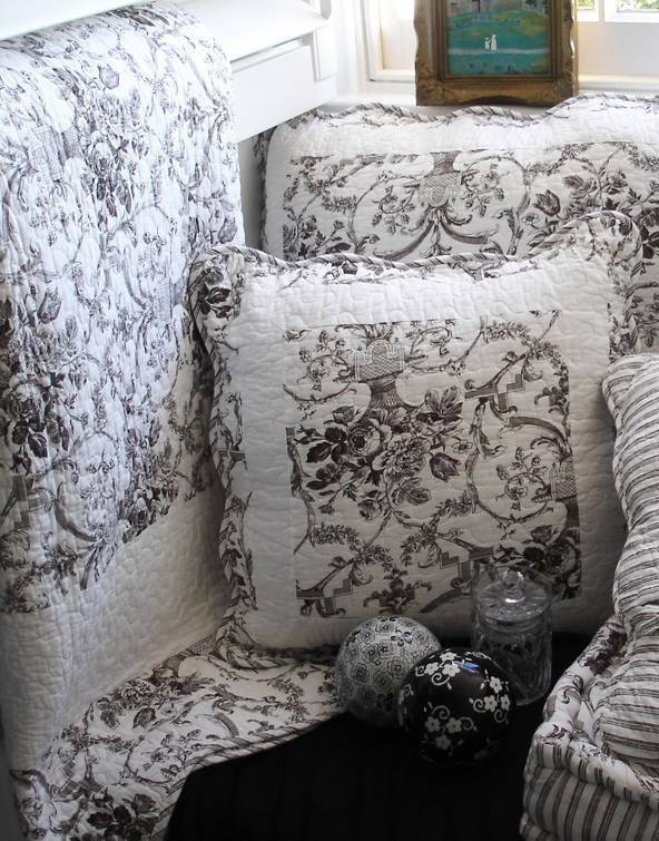 Shabby french country black toile paris chic sofa couch for Toile shabby chic