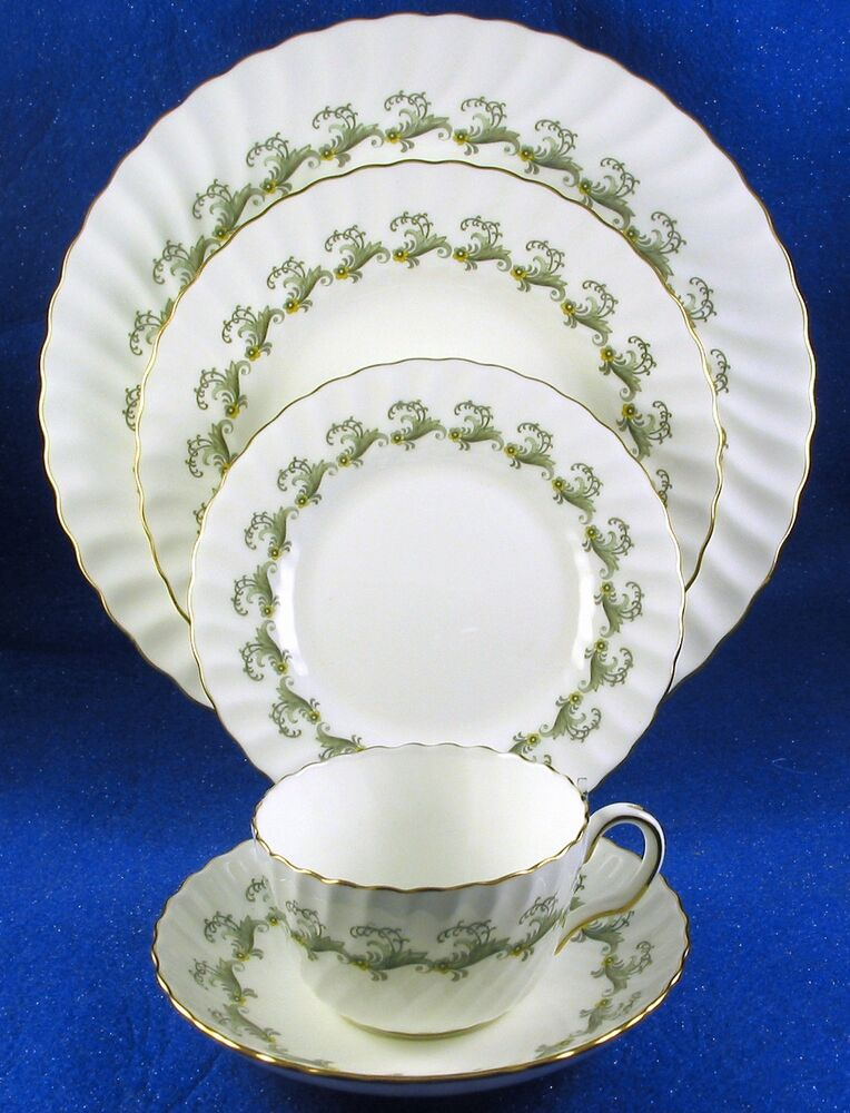 minton ermine 41 piece fine bone china service for 8 made in england estate ebay. Black Bedroom Furniture Sets. Home Design Ideas