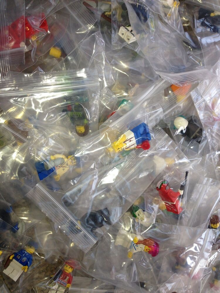how to clean your lego figures