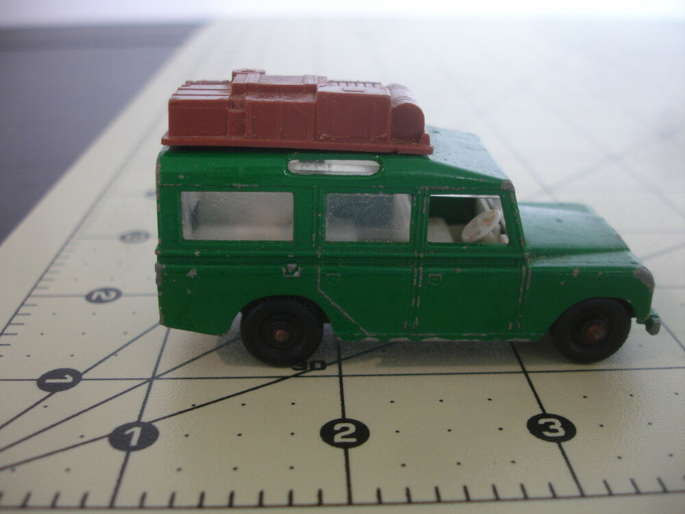 Toy Car Rack : Old vtg matchbox lesney land rover safari diecast toy