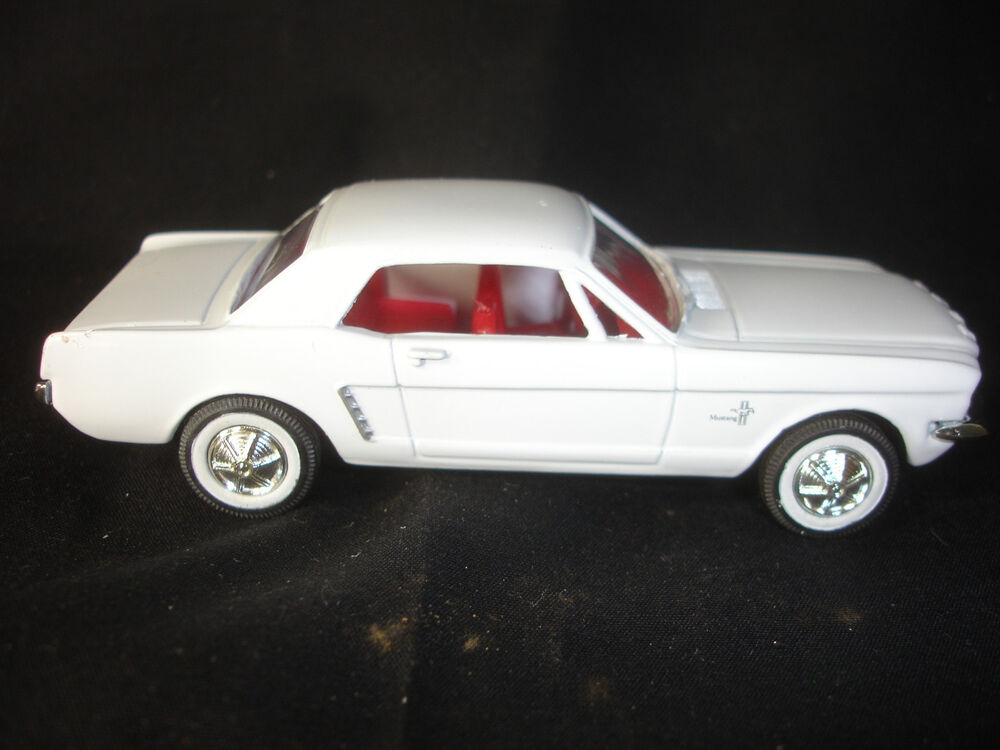collectible diecast ertl 1964 1 2 ford mustang toy car ebay. Black Bedroom Furniture Sets. Home Design Ideas