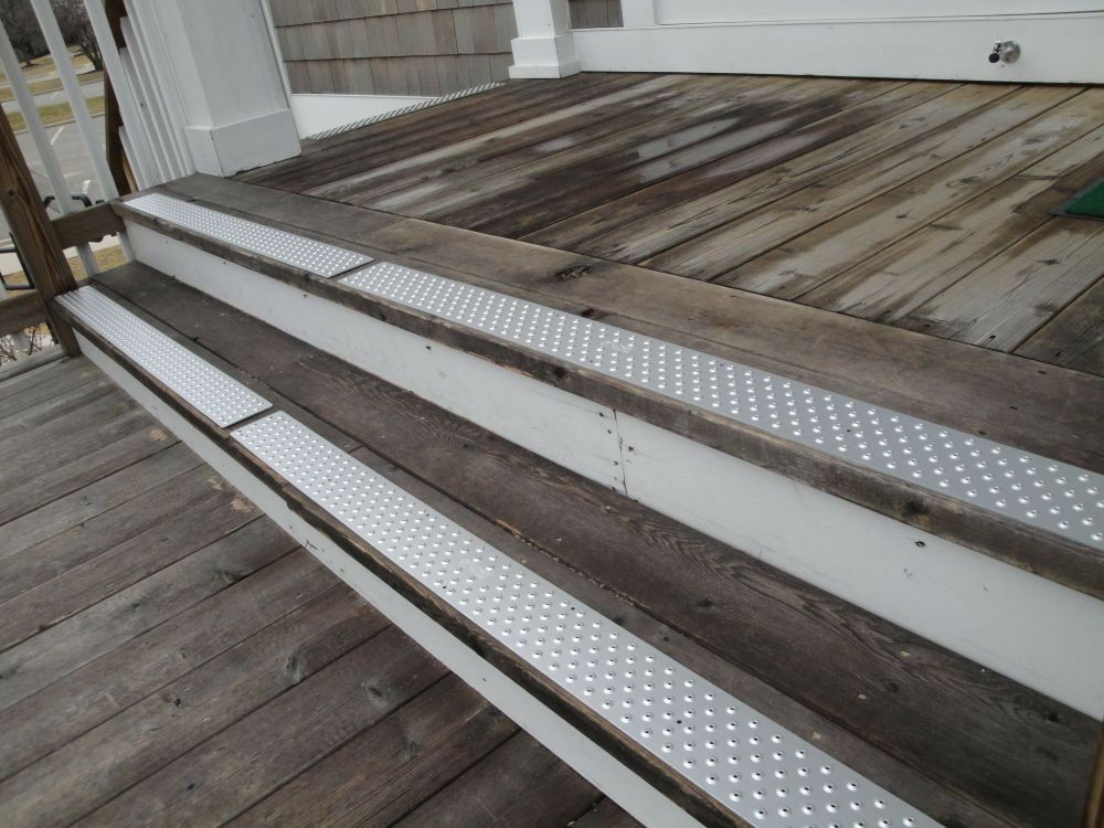 Aluminum Tread Preventing Slips And Falls On Concrete W