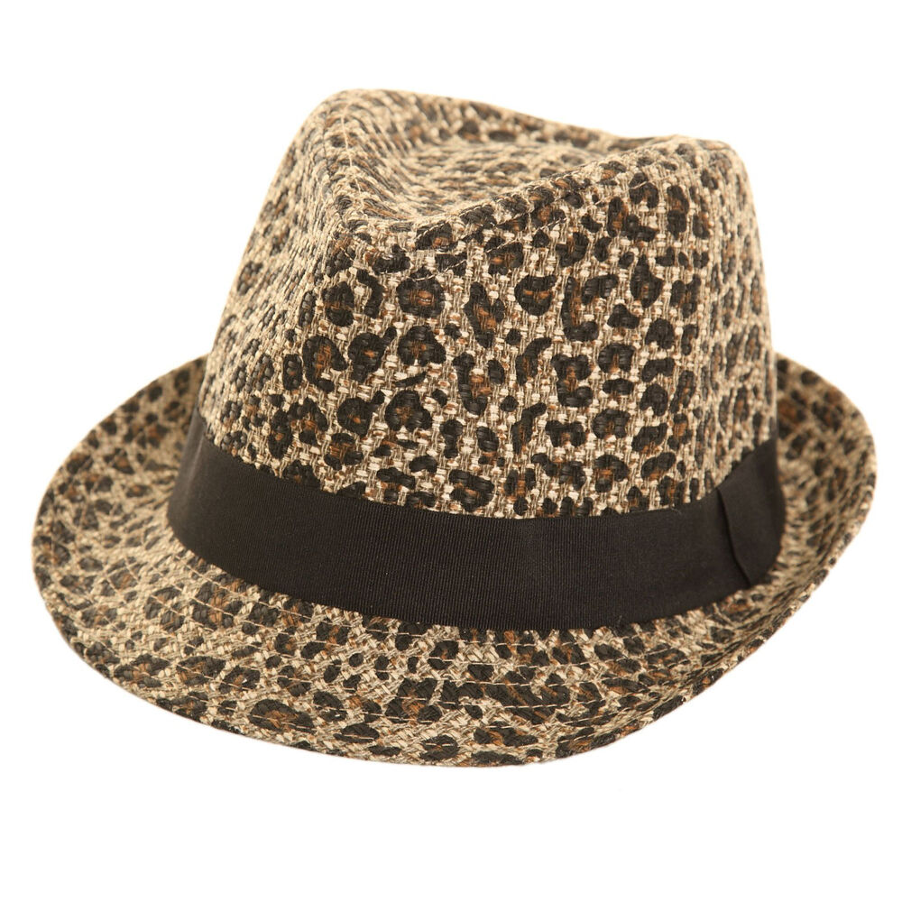 Our women's straw hat collection gives you the best of both worlds. With a large selection of designs – from a fun women's straw cowboy hat to women's fedoras, sun hats, straw visors and more – you'll come away with several favorites.