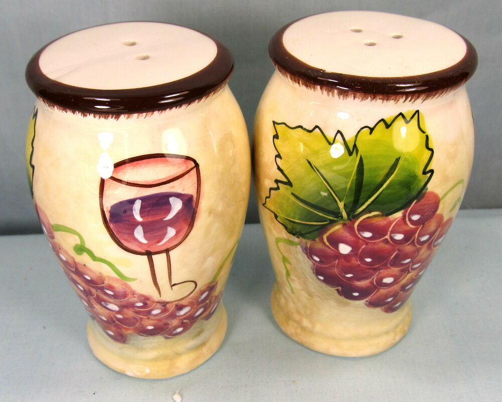 wine and grapes pattern ceramic salt and pepper shakers kitchen ware ebay. Black Bedroom Furniture Sets. Home Design Ideas