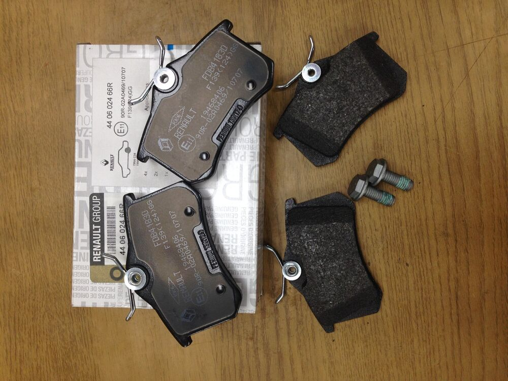 renault megane 225 230bhp clio 197 rear brake pads genuine renault 440602466r ebay. Black Bedroom Furniture Sets. Home Design Ideas