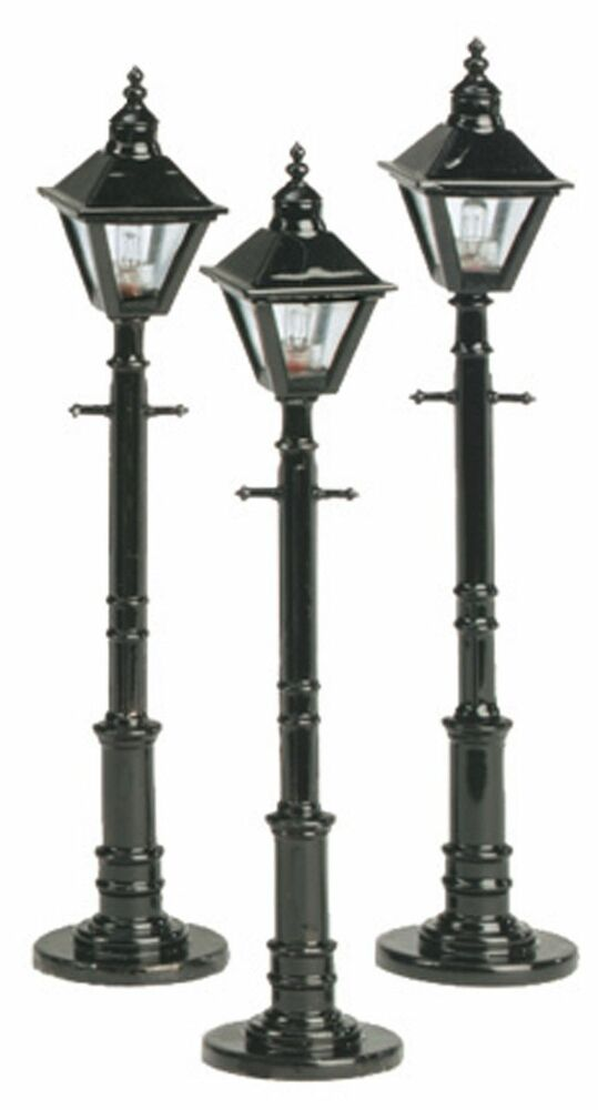 MTH 30 1079, O Scale, Decorative Square Street Light, Set .