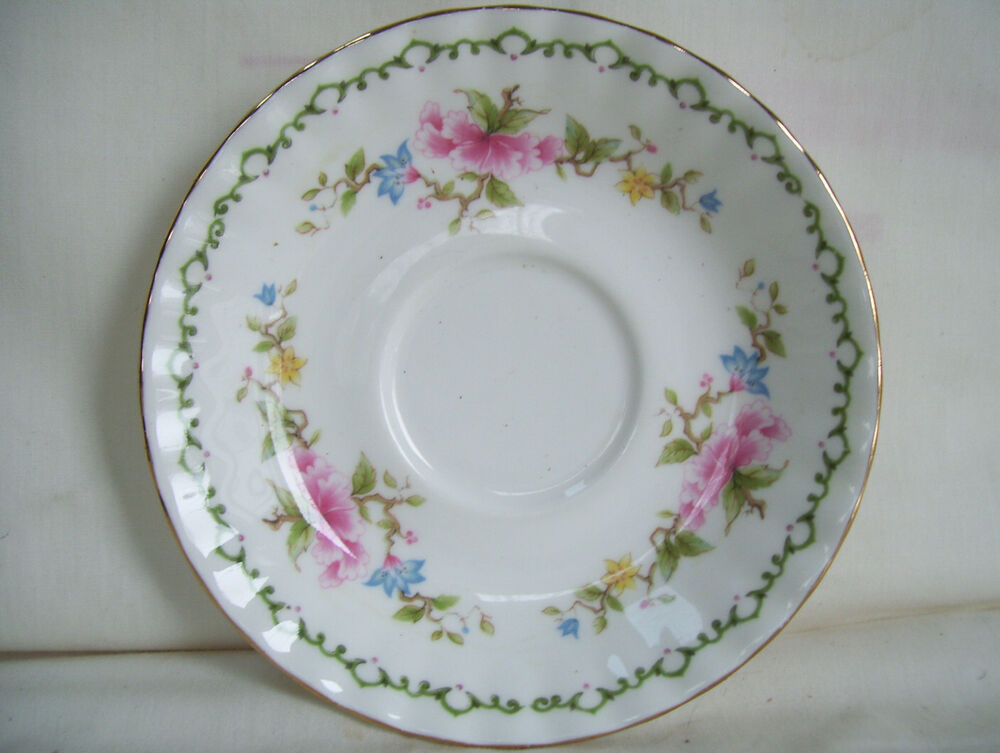 Royal vale bone china floral decorated saucer only no cup for Mode in england