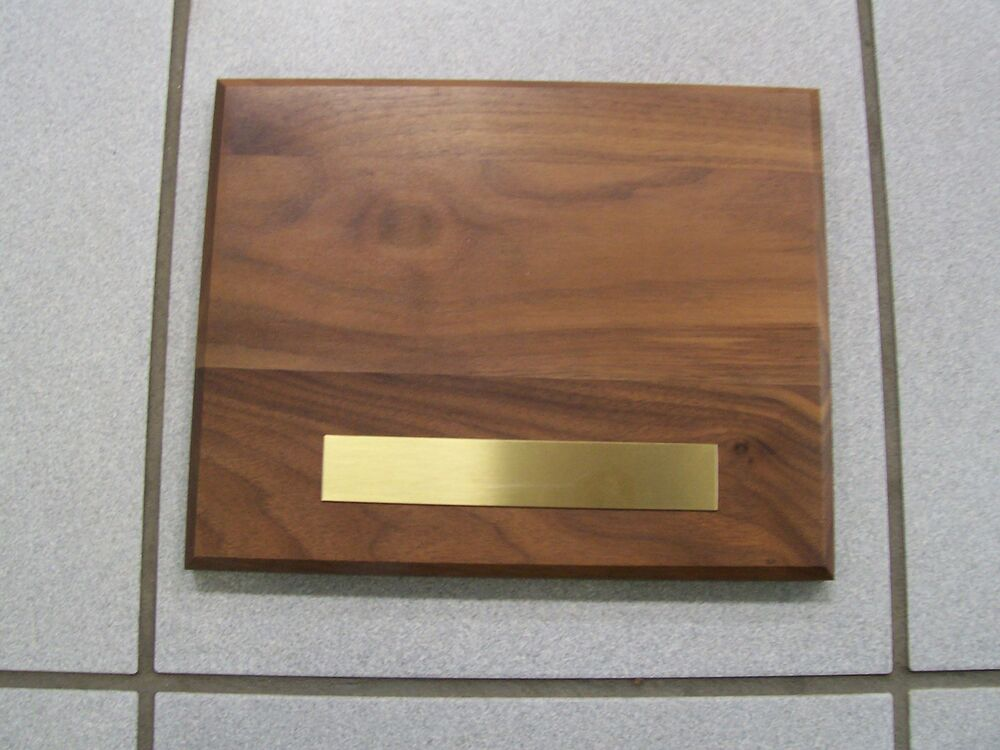 solid wood walnut blank plaque with brass plate ebay. Black Bedroom Furniture Sets. Home Design Ideas