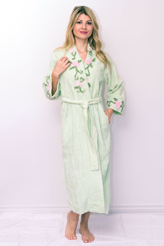 Chenille Robe With Vine Floral Embroidered On Neck