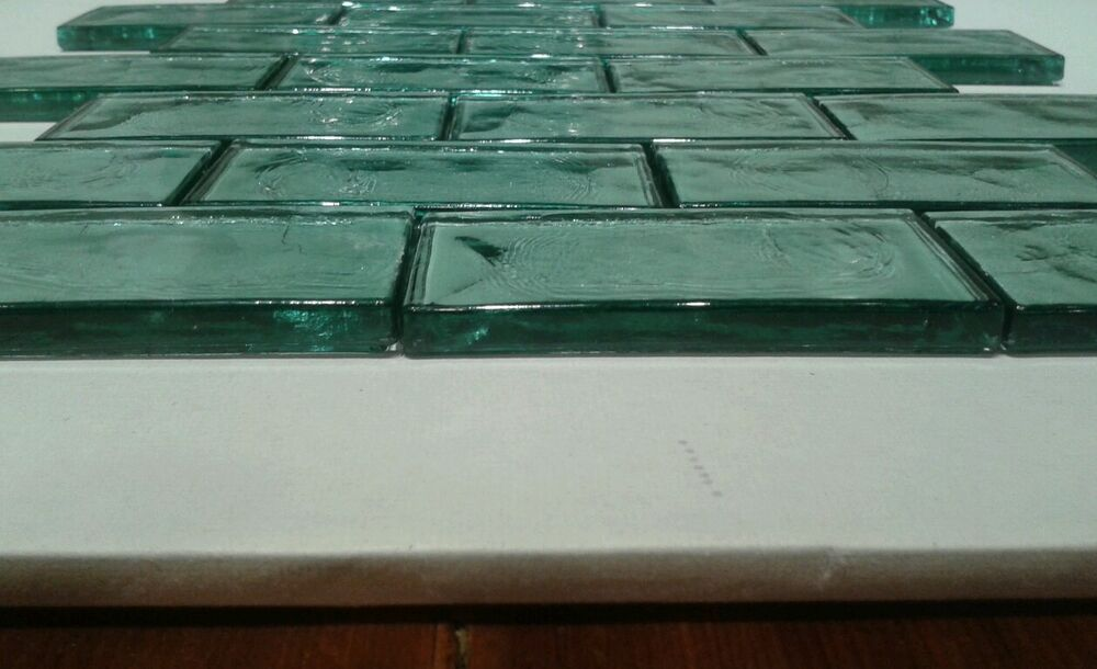 Wavy subway tile